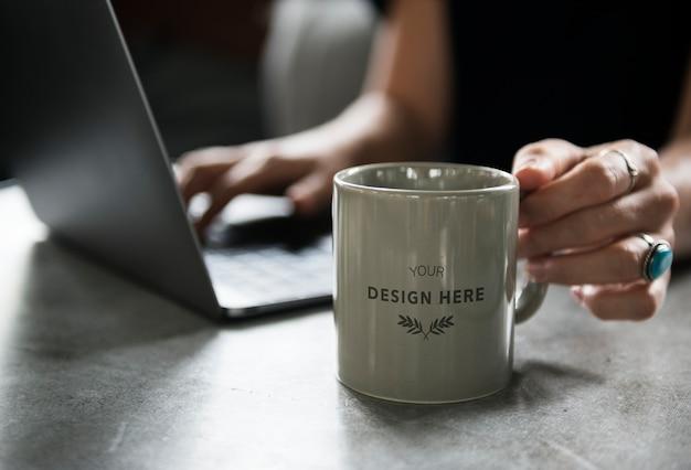 Maqueta de la taza de café PSD gratuito