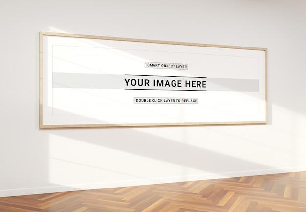 Marco super panorámico en maqueta interior PSD Premium