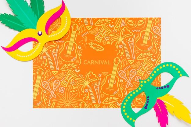 Máscaras de carnaval brasileñas con plumas de colores. PSD gratuito