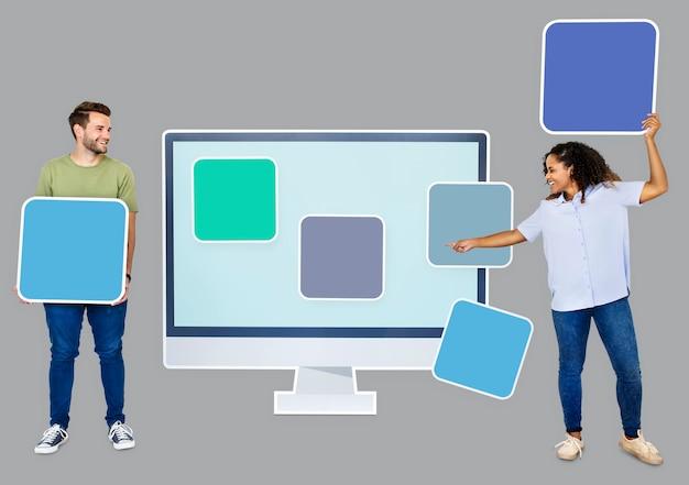 Mensen met websjabloon pictogrammen Gratis Psd