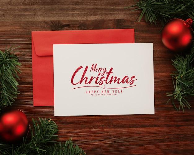 Merry christmas wenskaart en envelop mockup Premium Psd