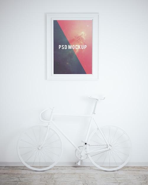 Mock up de cuadro sobre pared blanca y bicicleta blanca | Descargar ...