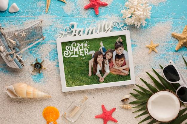 Mock-up della cornice della foto di vacanza della famiglia Psd Gratuite