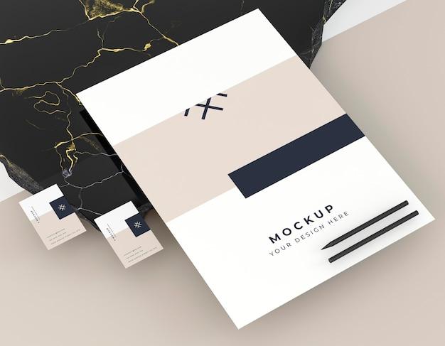 Mock-up identiteit voor visitekaartjes voor bedrijf Gratis Psd