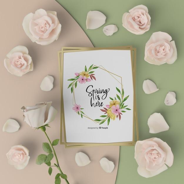 Mock-up lente kaart met 3d bloeiende bloemen Gratis Psd