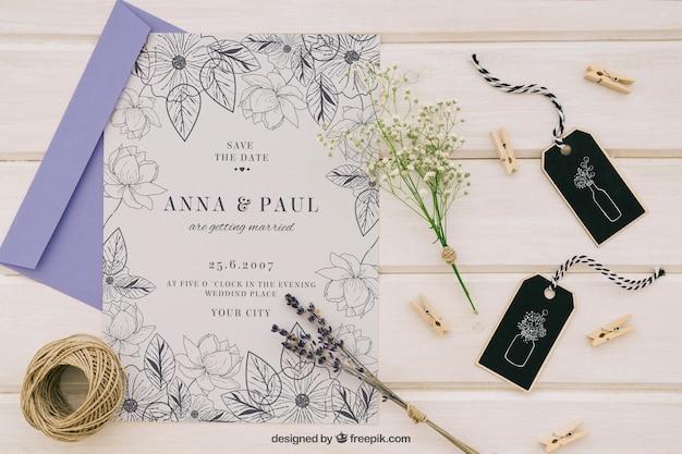 Mock up met elegante trouwuitnodiging Gratis Psd