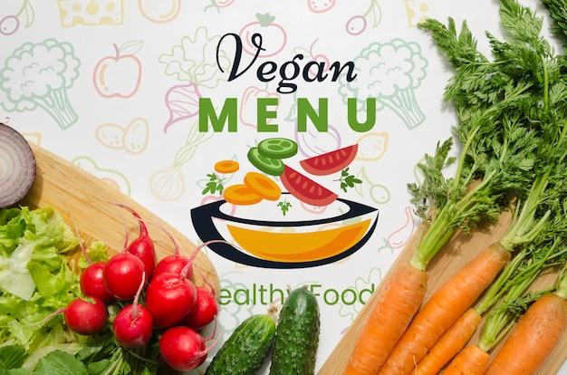 Mock-up met gezonde en verse groenten Gratis Psd