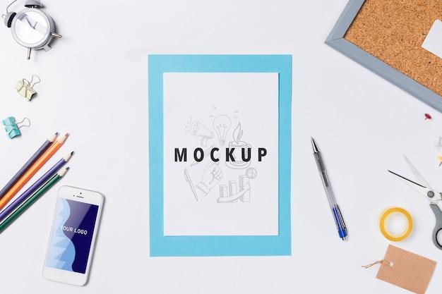 Mock-up met handige tools voor werkruimte Gratis Psd