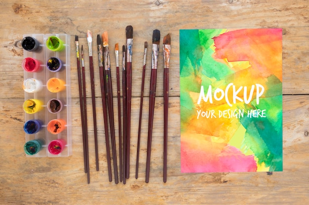 Mock-up schilderij penseel collectie en aquarellen Gratis Psd