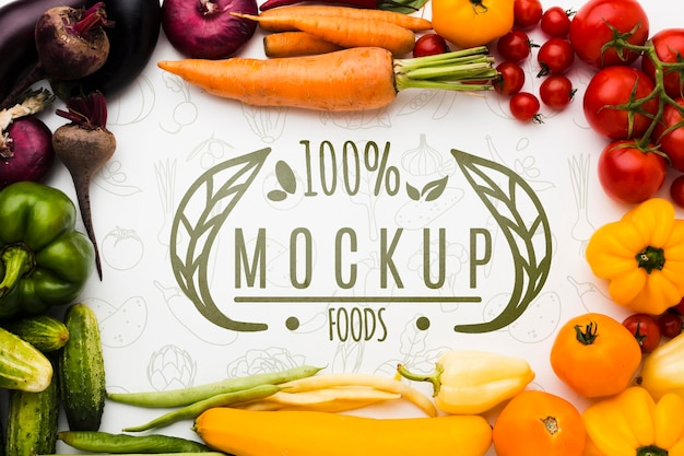 Mock-up van fruit en lokaal geteelde groenten Gratis Psd
