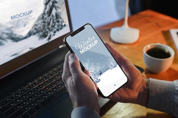 Mock-up voor smartphone-apparaat Gratis Psd