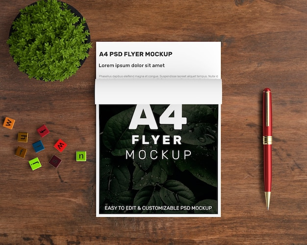 Mockup creativo a4 flyer Psd Gratuite
