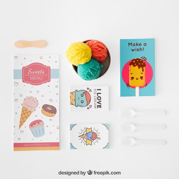 Mockup creativo de helado con concepto stationery PSD gratuito