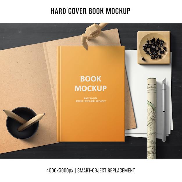 Mockup del libro di copertina rigida con il concetto di ufficio Psd Gratuite