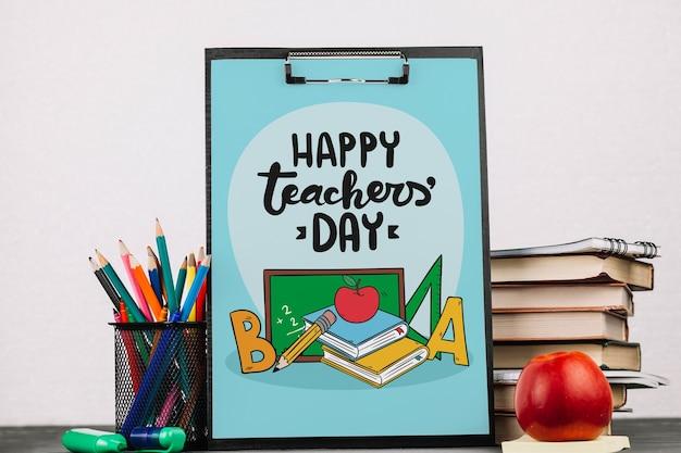 Mockup di giornata mondiale insegnante con appunti Psd Gratuite