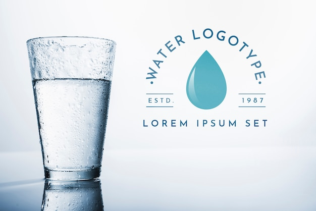 Mockup di logo di acqua su copyspace Psd Gratuite