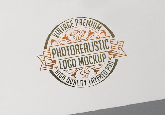 Mockup di logo fotorealistico premium vintage - file psd di mock-up di logotype stratificato di alta qualità Psd Premium