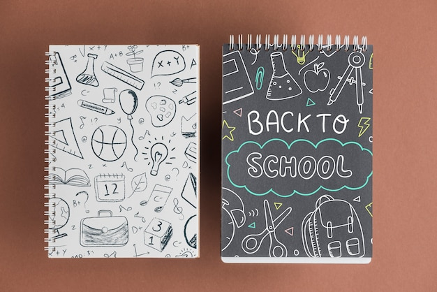 Mockup di notebook con il ritorno al concetto di scuola Psd Gratuite