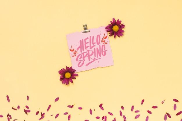 Auguri Matrimonio Laico : Mockup di primavera piatta laici con biglietto di auguri scaricare