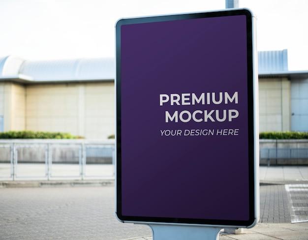 Mockup di segno di annuncio Psd Premium
