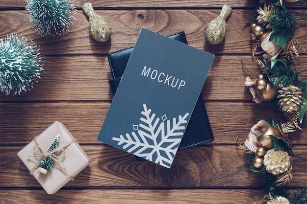 Mockup lege zwarte boekomslag voor kerstmis en nieuwjaar achtergrond Premium Psd