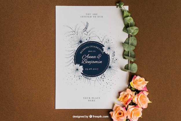 Mockup lindo floral de papelería para boda PSD gratuito