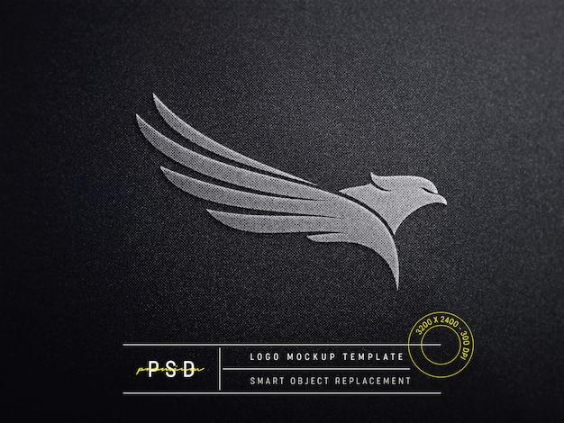 Mockup logo in rilievo su tessuto nero Psd Premium