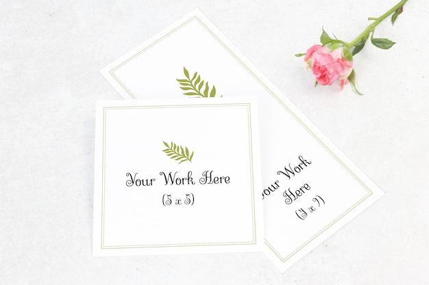 Mockup menu di nozze e numero di carta con fiore Psd Premium
