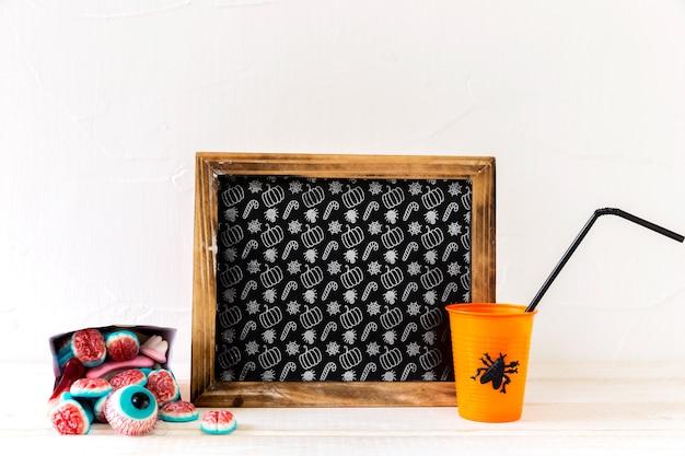Mockup de pizarra con concepto de halloween PSD gratuito