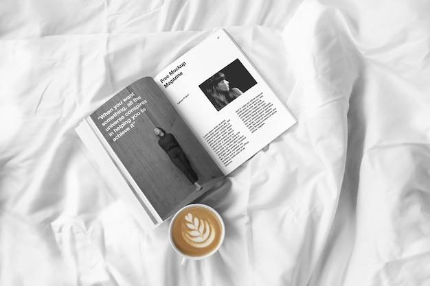 Mockup rivista aperta Psd Premium