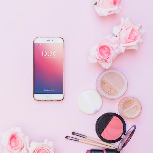 Mockup de smartphone con concepto de belleza PSD gratuito