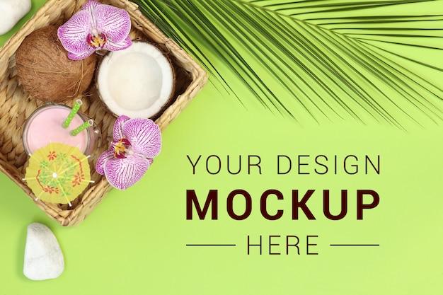 Mockupbanner met cocktail en kokosnoot op groen Premium Psd