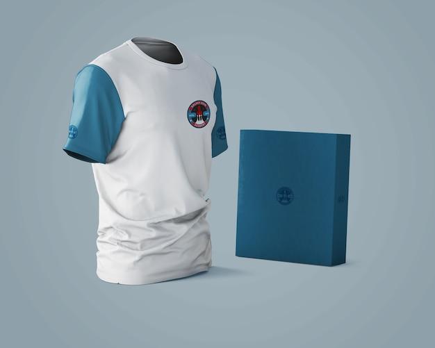 Model met sportshirt met merklogo Gratis Psd