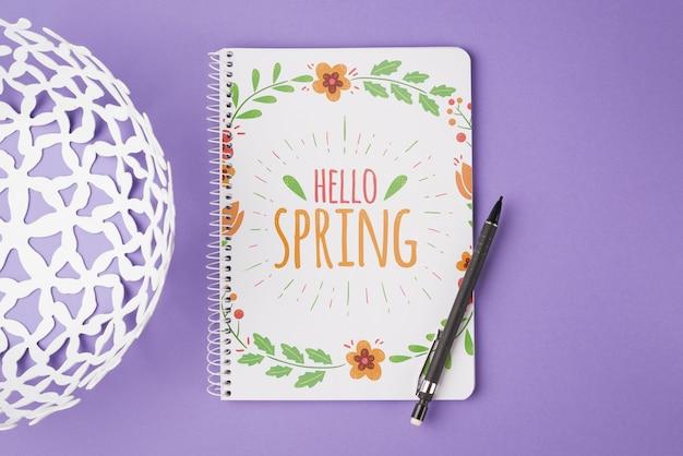Modello di blocco note per la primavera con i fiori Psd Gratuite