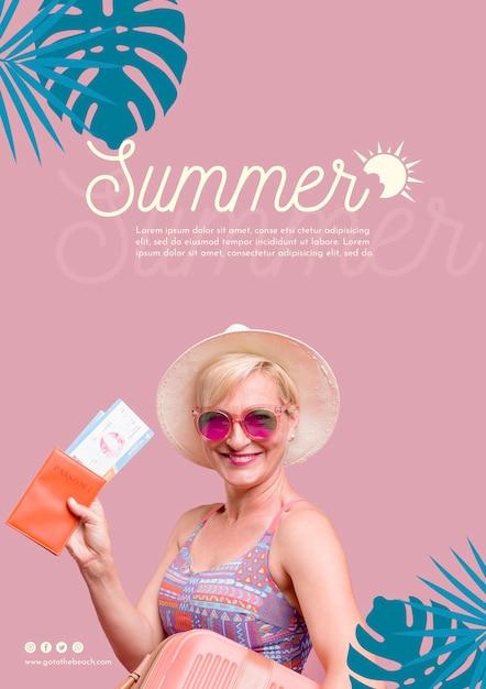 Modello di donna felice estate Psd Gratuite