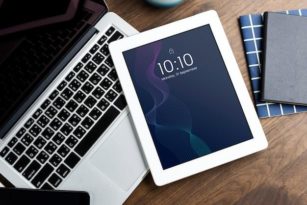 Modello di mockup di schermo tablet digitale Psd Gratuite