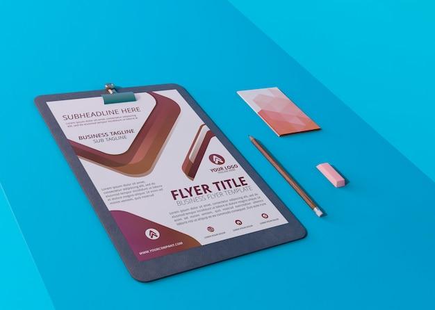 Modern ontwerpsjabloon voor mock-up flyers en kaarten Gratis Psd