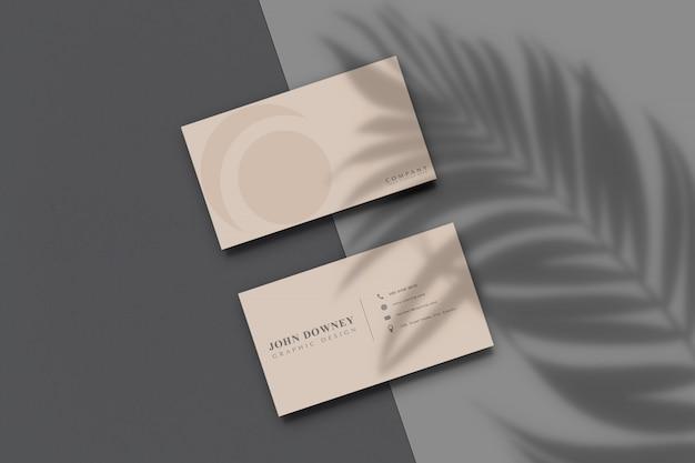 Modern visitekaartjedocument mockup met schaduwoverlay. sjabloon voor brandingidentiteit Premium Psd
