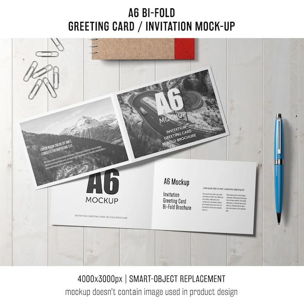 Moderne a6 bi-voudige uitnodigingskaartsjabloon Gratis Psd
