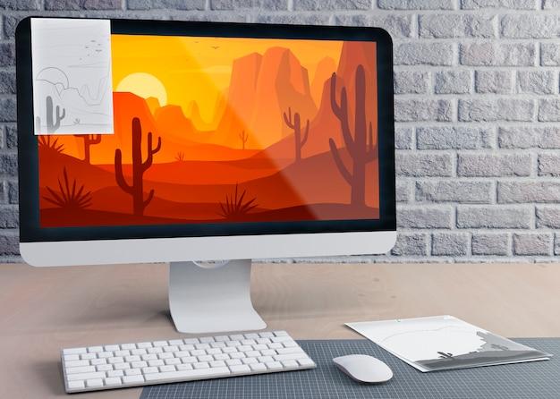 Moderne monitor voor werk op het bureau Gratis Psd