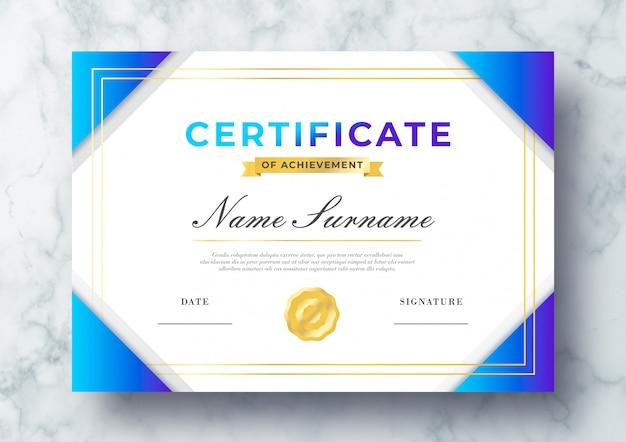 Mooi certificaat van prestatie psd-sjabloon Gratis Psd