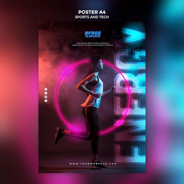 Mujer joven en un cartel de fitness PSD gratuito