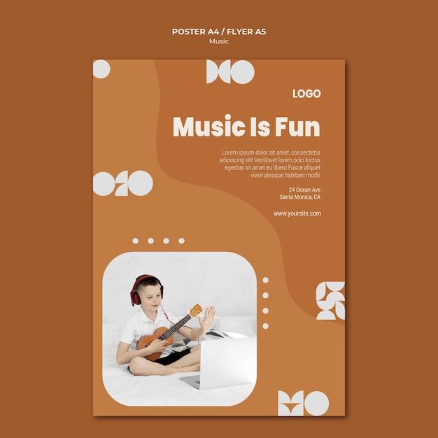 Muziek is een leuke jongen die ukelele-poster speelt Gratis Psd