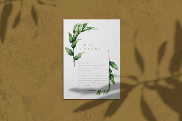 Naturaleza pura con maqueta de cartel de hojas. PSD gratuito