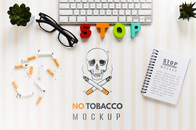 Niet roken mock-up met toetsenbord Gratis Psd