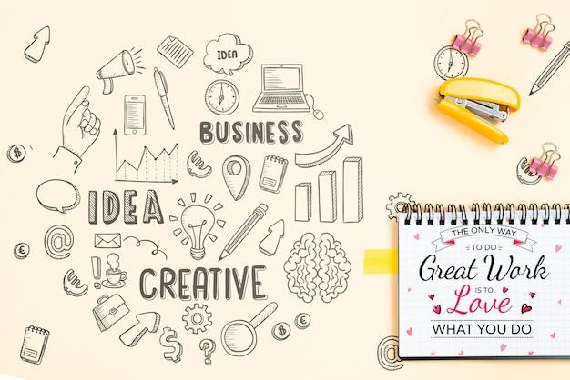 Nietmachine en notebook idee concept Gratis Psd