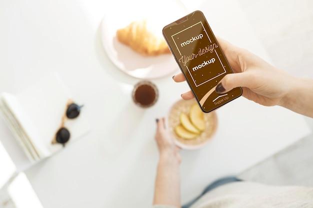 Nieuw smartphoneconceptmodel Premium Psd