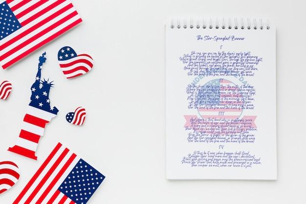 Onafhankelijkheidsdag bovenaanzicht met mock-up Gratis Psd