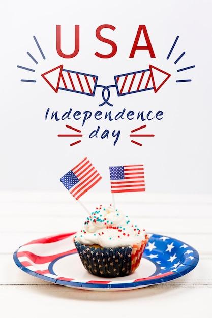 Onafhankelijkheidsdag mockup met cupcake Gratis Psd