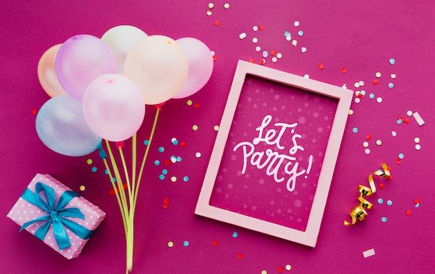 Palloncini colorati compleanno con coriandoli Psd Gratuite